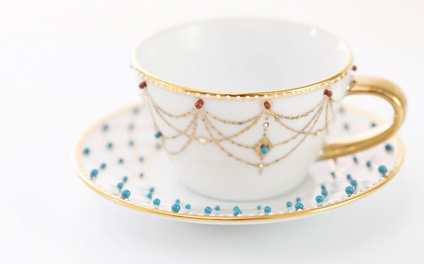 Thumbnail porcelain